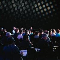 Bild: Konferens. Unsplash.com. Foto: Headway.io Bild: Konferens. Licens: Unsplash.com. Foto: Headway.io